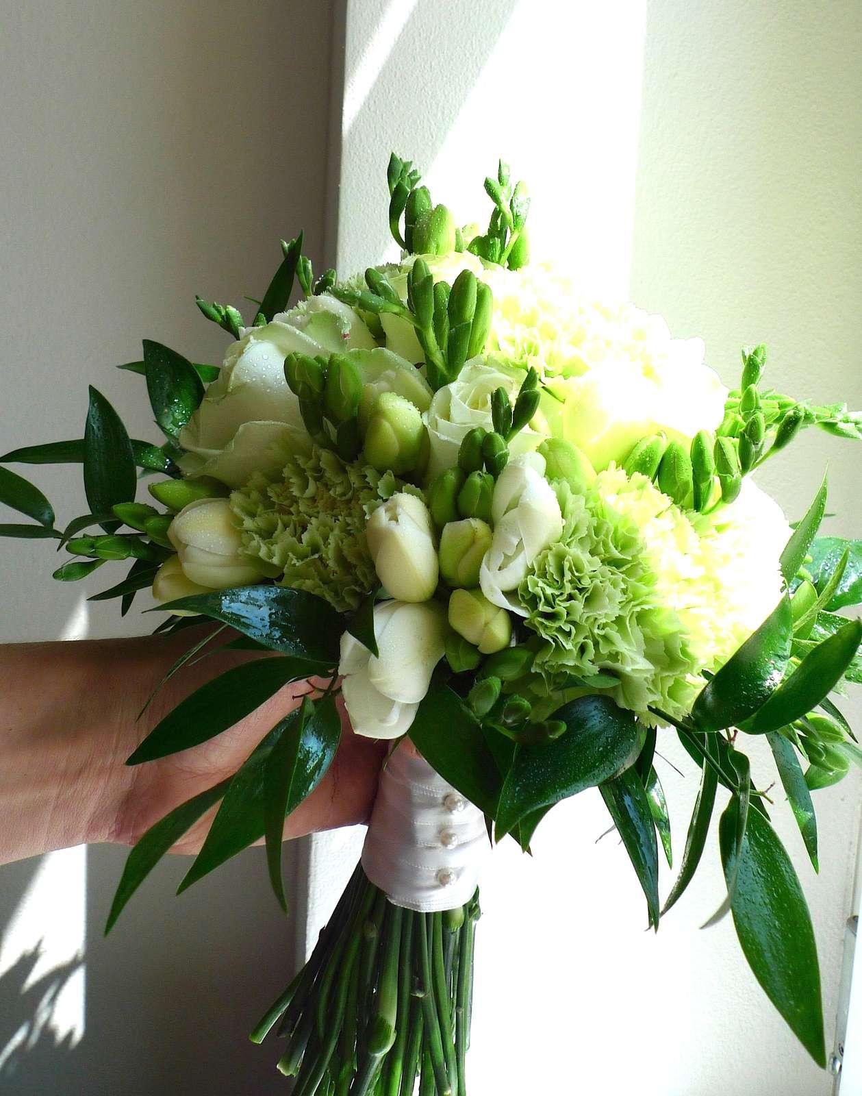 Zelenkavá svatební kytice - Obrázek č. 1