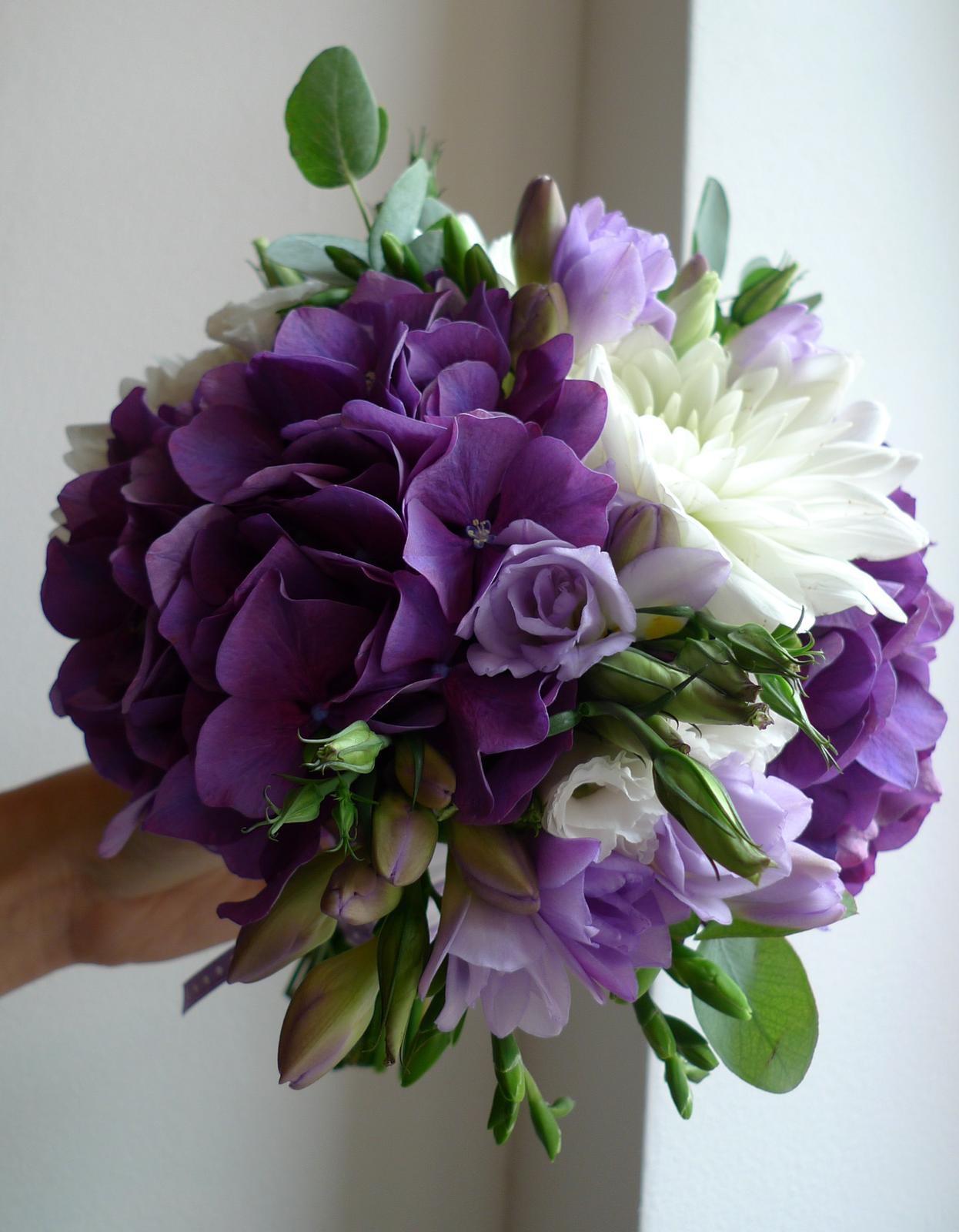 Fialová svatební kytice - Obrázek č. 1