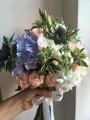 Kytice s modrou hortenzií,