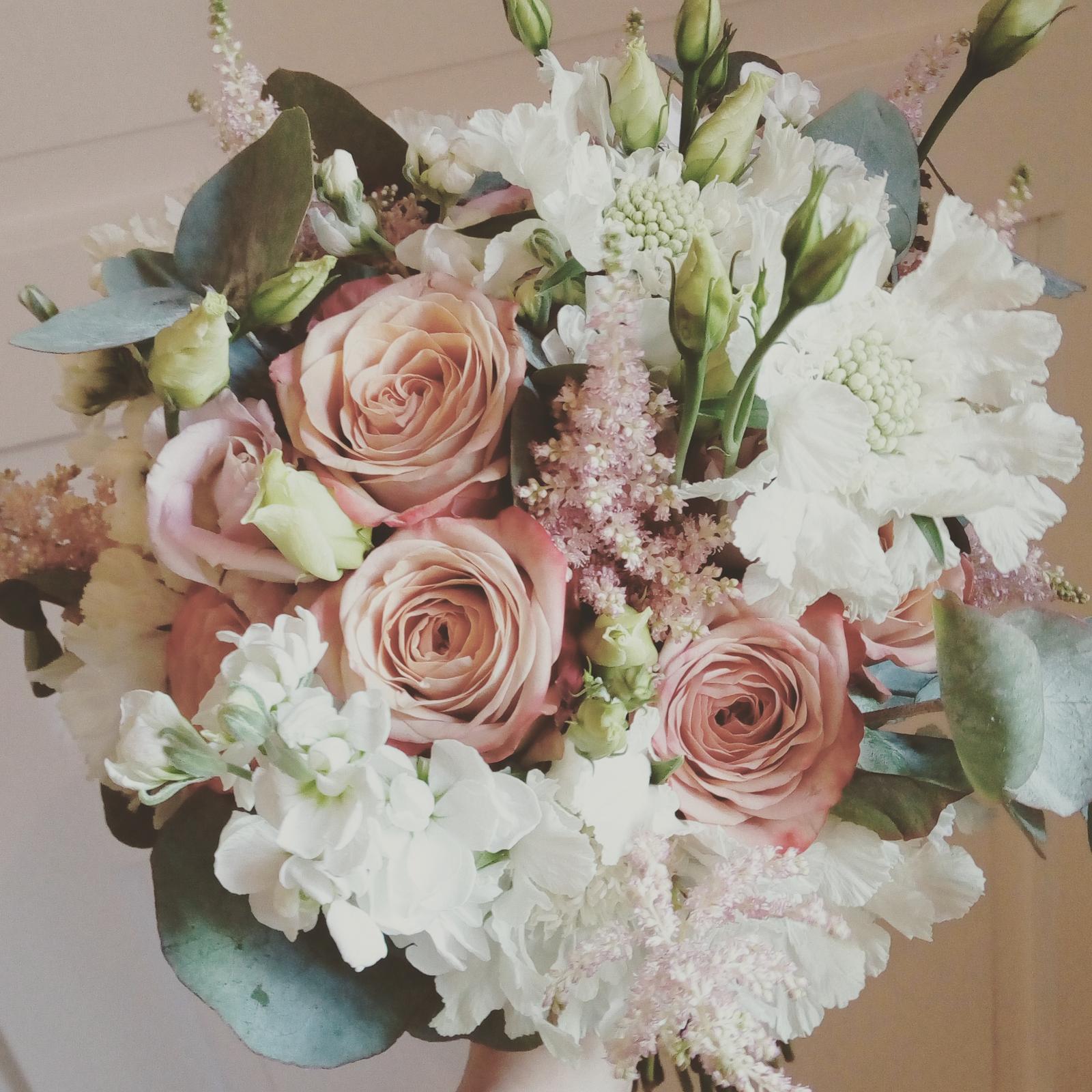 """Svatební kytice s růžemi """"Cappuccino"""" - Obrázek č. 1"""