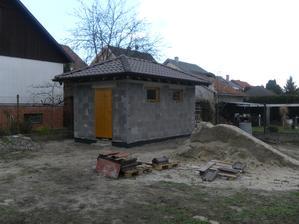 Október 2013.