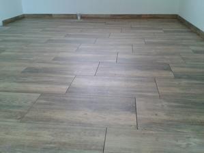 Október 2015, rysuje sa podlaha. Dlažba bude v celom dome.