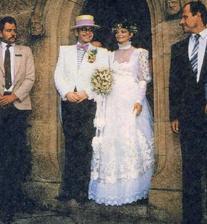 Elton John a Renate Blauer