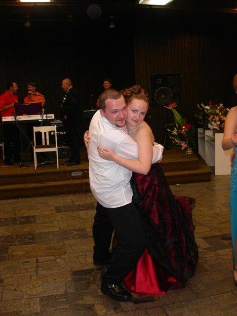 Monika{{_AND_}}Tibor - Tu som s našim veľmi dobrým priateľom, ktorý prišiel na našu svadbu z Londýna