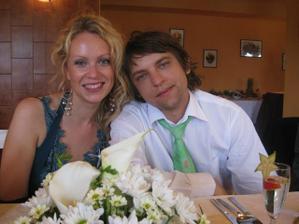 My dva na svatbe kamaradky..