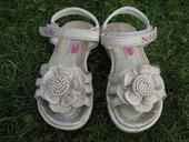 Sandálky s kytičkou, 24
