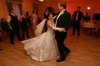 tancuj, tancuj, vykrúcaj...