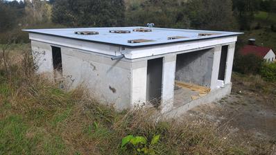 10/2016 konečně hotová střecha....