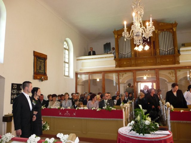 Gabriela Janotikova{{_AND_}}Frantisek Janotik - v kostole