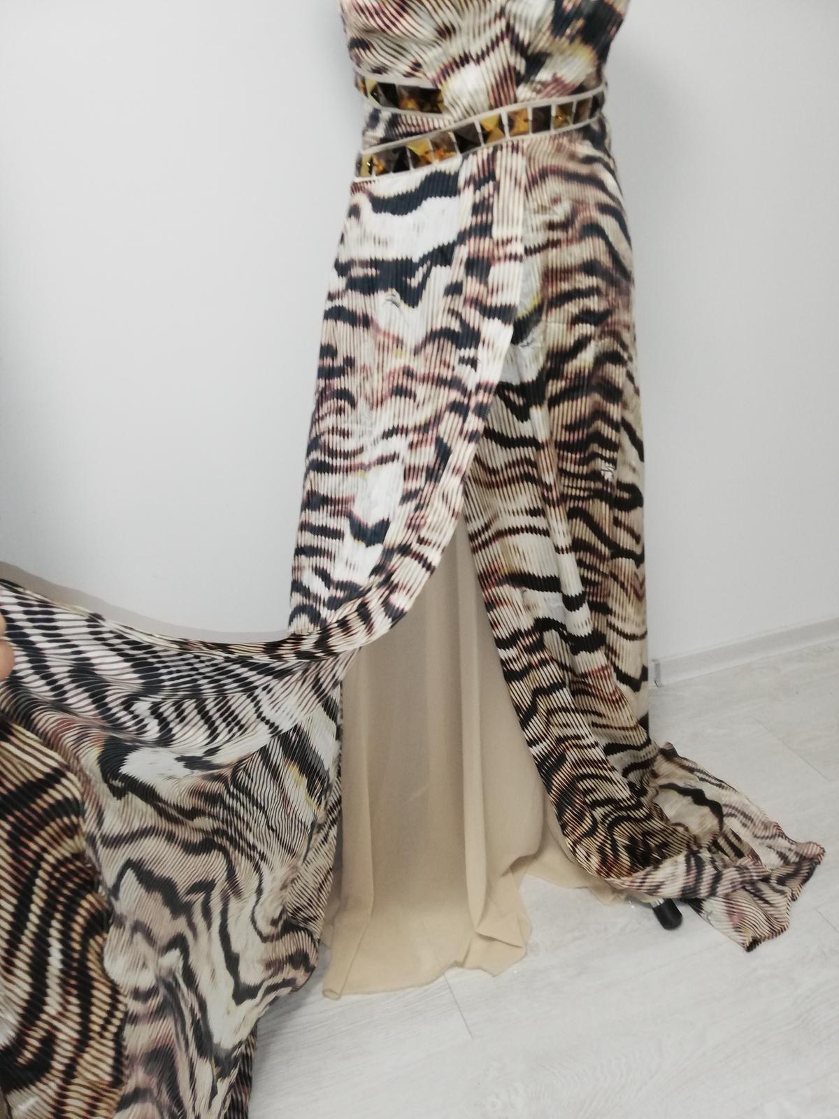 Luxusne spoločenské šaty - Obrázok č. 2