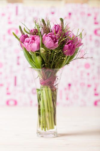 Jarne a letne aranzmany a dekoracie - Jednoducha jarna kyticka - domaca vyroba
