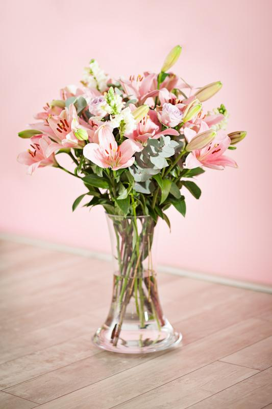 Jarne a letne aranzmany a dekoracie - jedna klasickejsia, jemna laliova