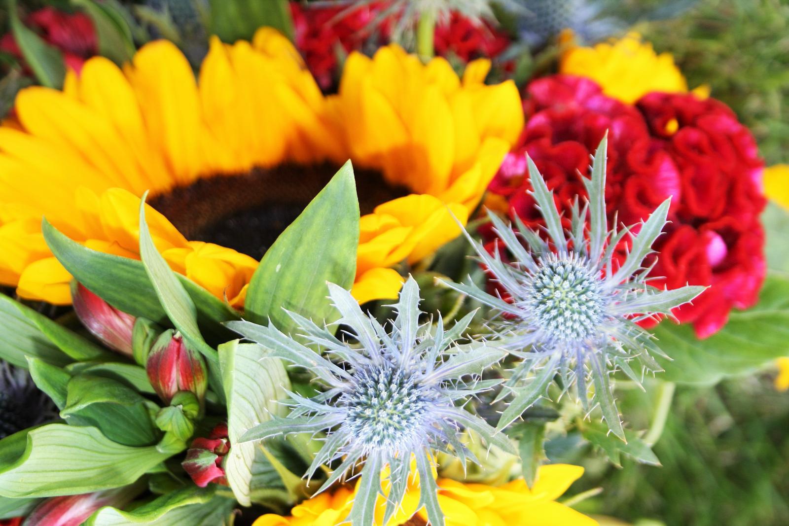 Jarne a letne aranzmany a dekoracie - Detail slnecnicovej kytice