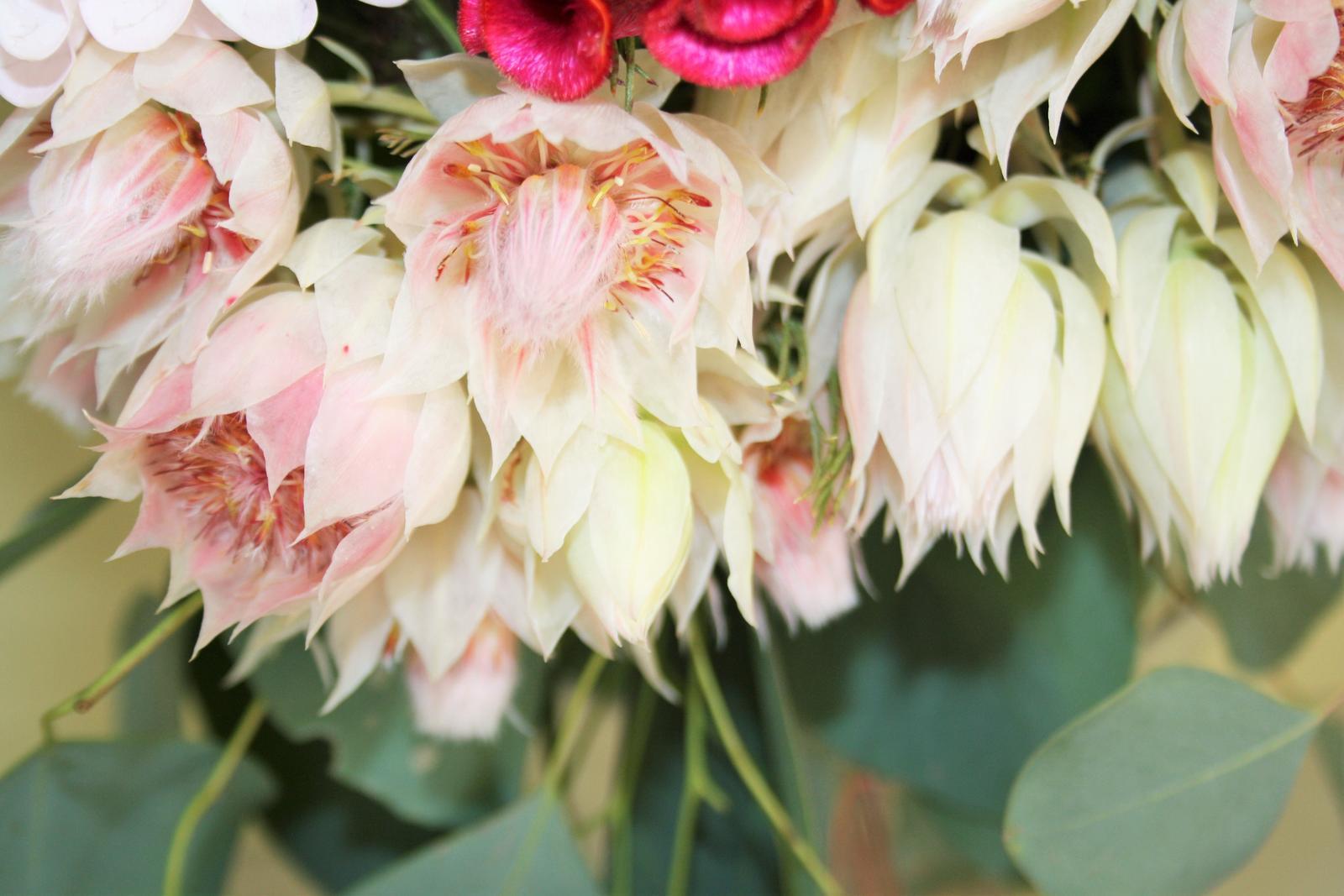 Jarne a letne aranzmany a dekoracie - Ešte raz detail kvetu...nezvyčajná nádhera