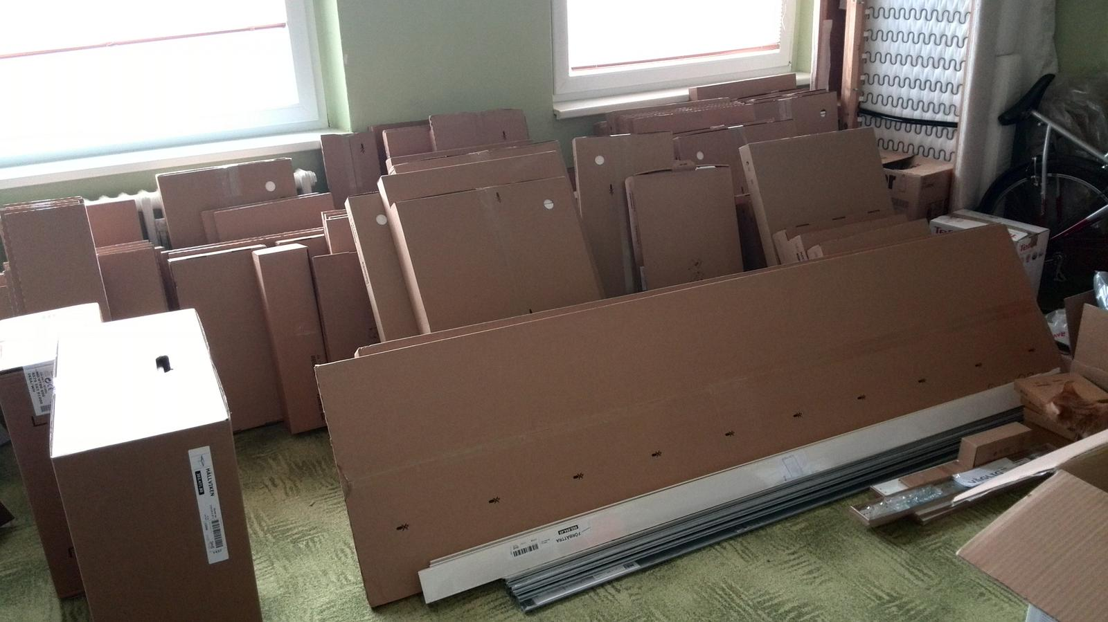 Rekonstrukne naší kuchyně - Nová kuchyň ještě v krabicích :-)