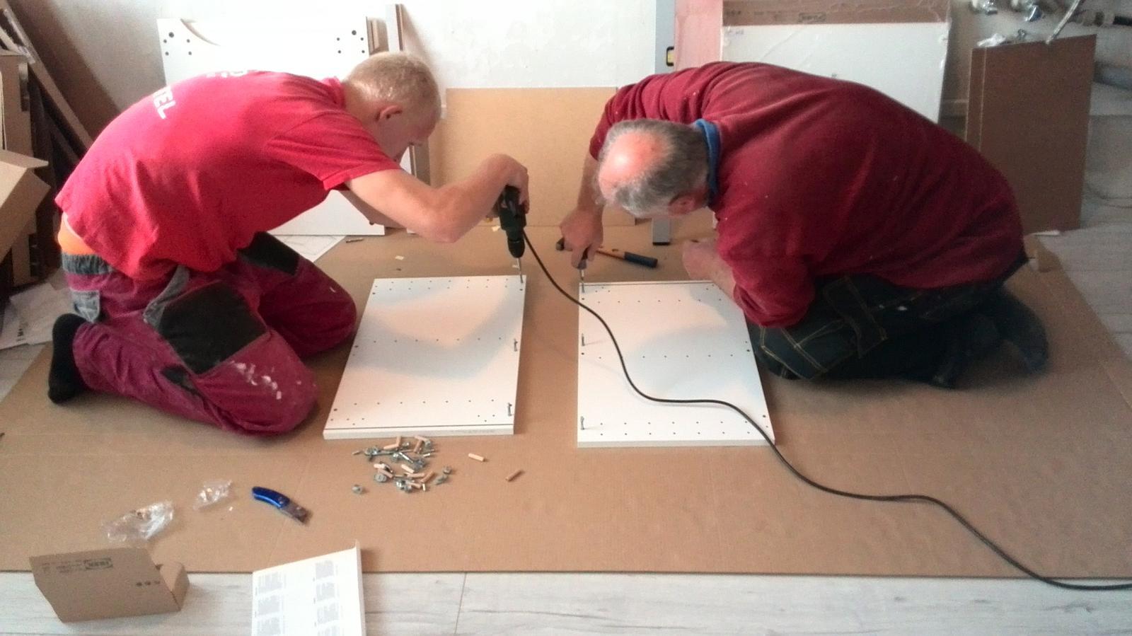 Rekonstrukne naší kuchyně - H&H (...ala přítel s taťkou...) v akci :-)