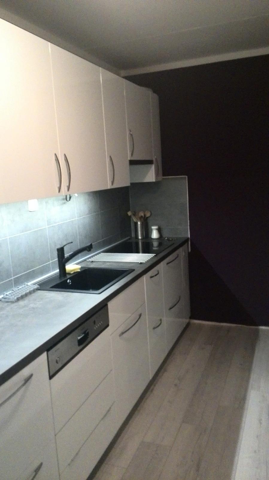 Rekonstrukne naší kuchyně - Má nová láska :-)