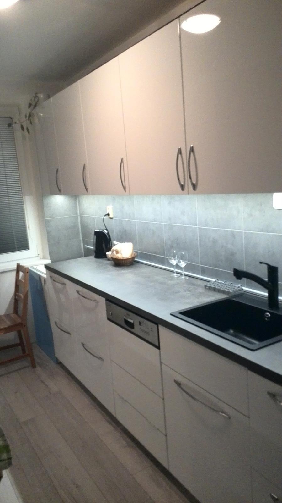 Rekonstrukne naší kuchyně - ještě není úplně dodělaná :-)