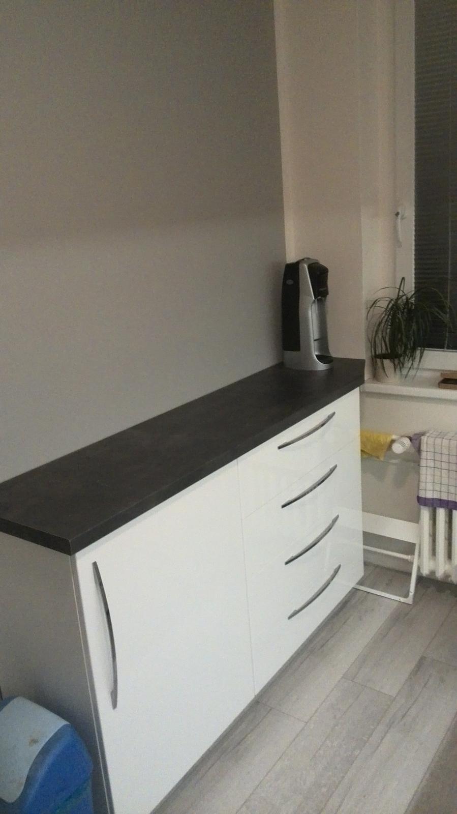 Rekonstrukne naší kuchyně - a protilinka...