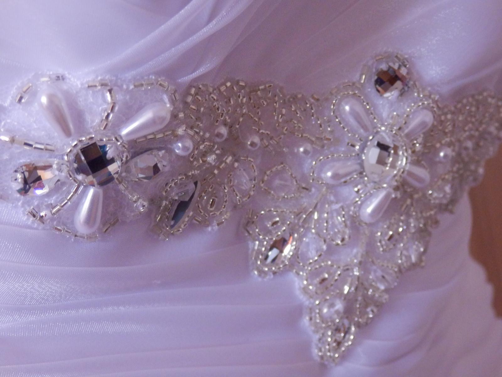 Svatební šaty šité na míru 36 - 38 - Obrázek č. 3