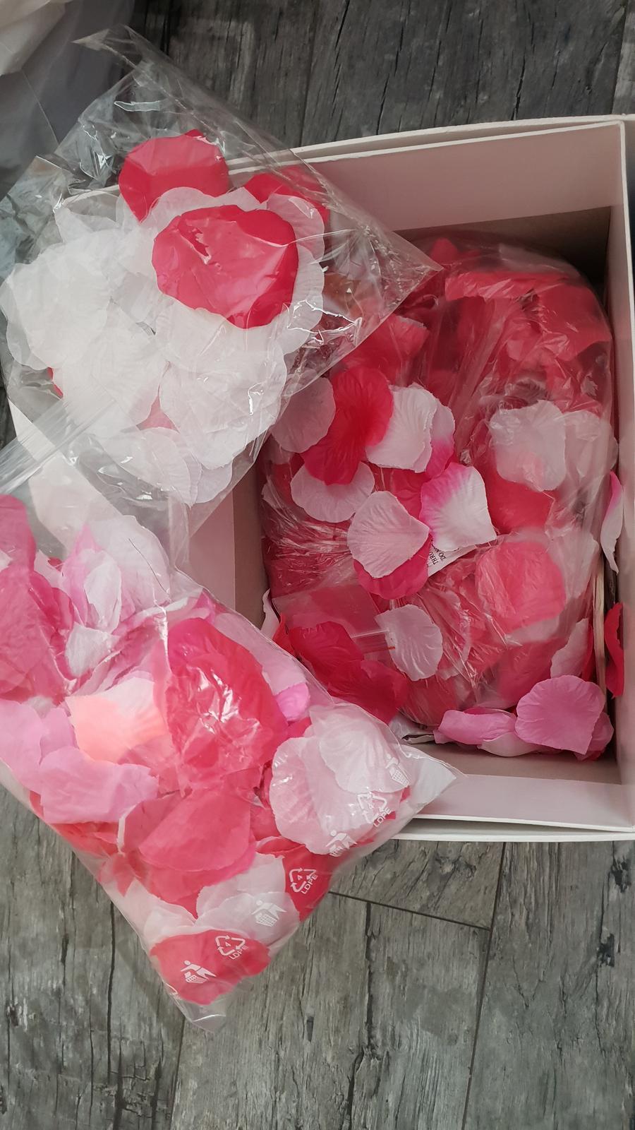 okvětní lístky fuchsová mix růžové cca 1000 ks - Obrázek č. 1