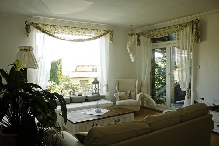 Inspirace do domku - Pres jedno okno takto udelam zaves nahoru.