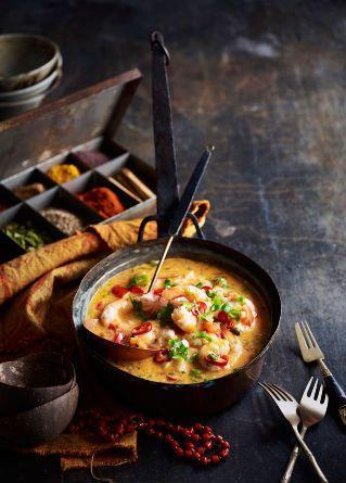Thajská kari polévka s krevetami a kokosovým mlékem
