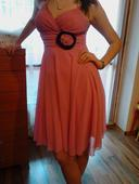 Ružové koktejlové šaty , 36