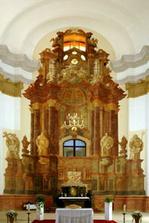 nově zrekonstruovaný kostel, oltář Nádhera !