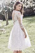 Svatební krajkované šaty, 40