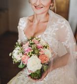 Svatební šaty z dílny návrhářky Petry Brzkové, 36
