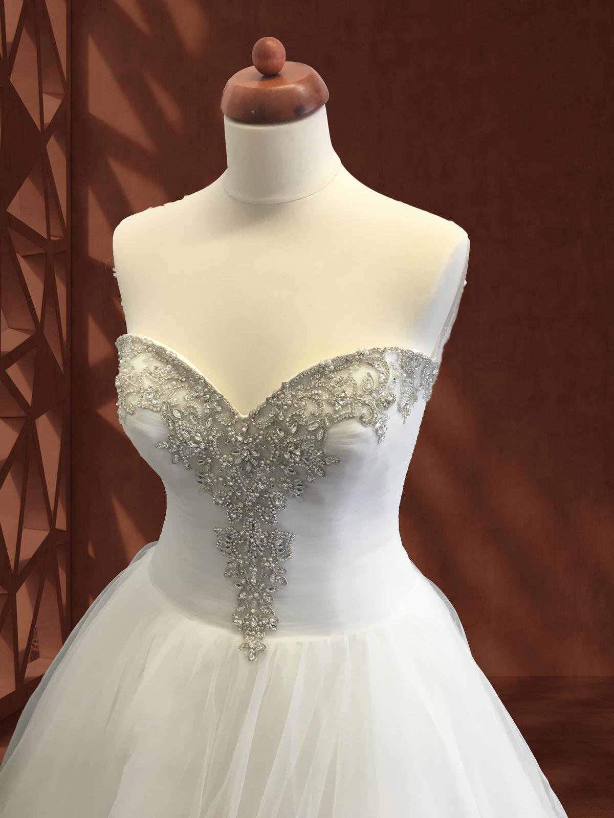 Luxusní svatební šaty Allure Bridals, vel. 38 - 40 - Obrázek č. 1
