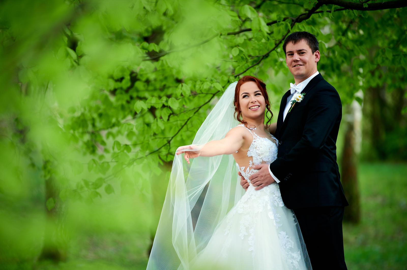 Čipkované svadobné šaty zo Zoya Wedding - Obrázok č. 2