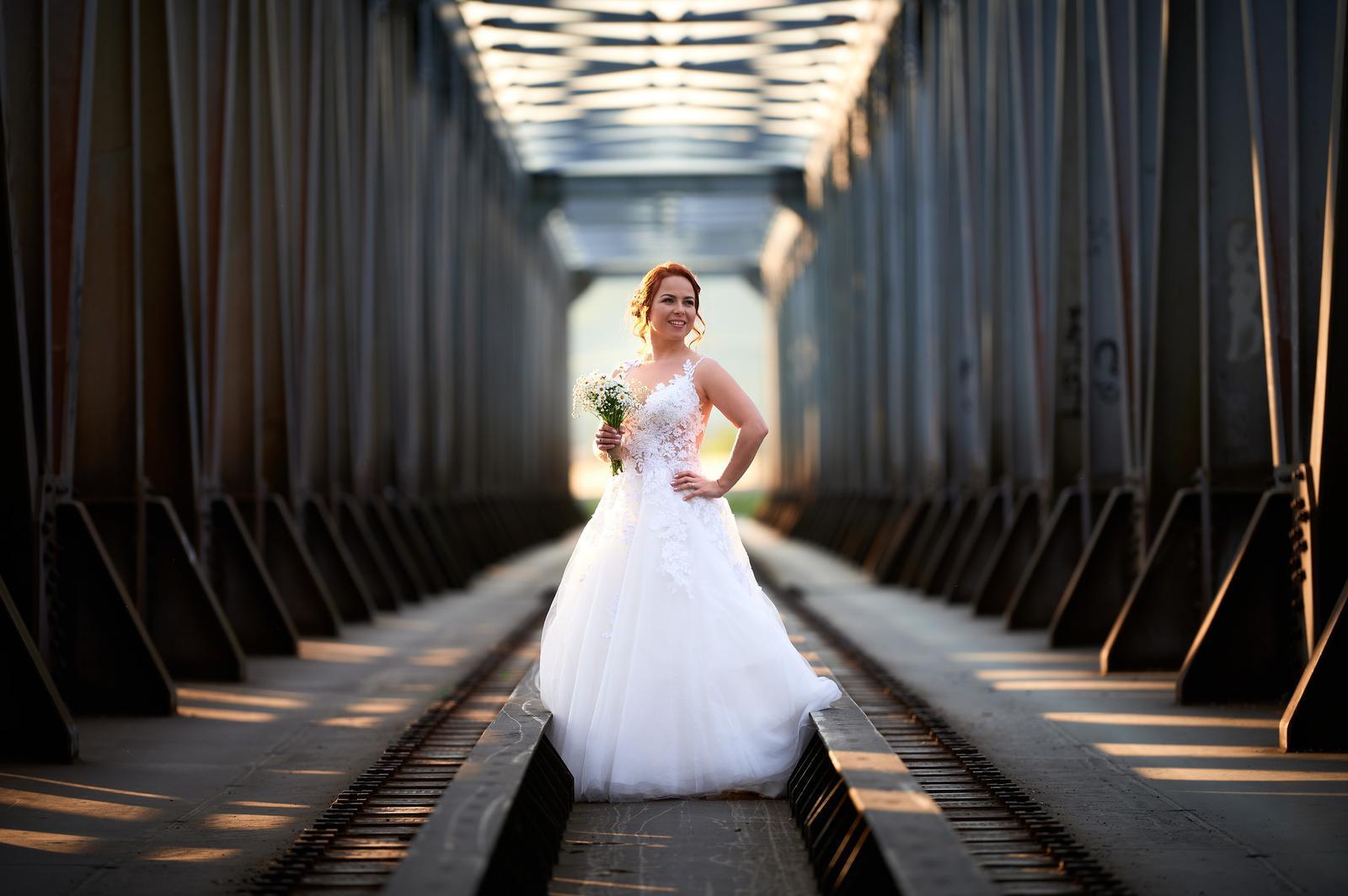 Čipkované svadobné šaty zo Zoya Wedding - Obrázok č. 3