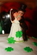 čoko figurka na dortíku, ženich měl trochu monokl:-D, foto: Andrea Hudečková