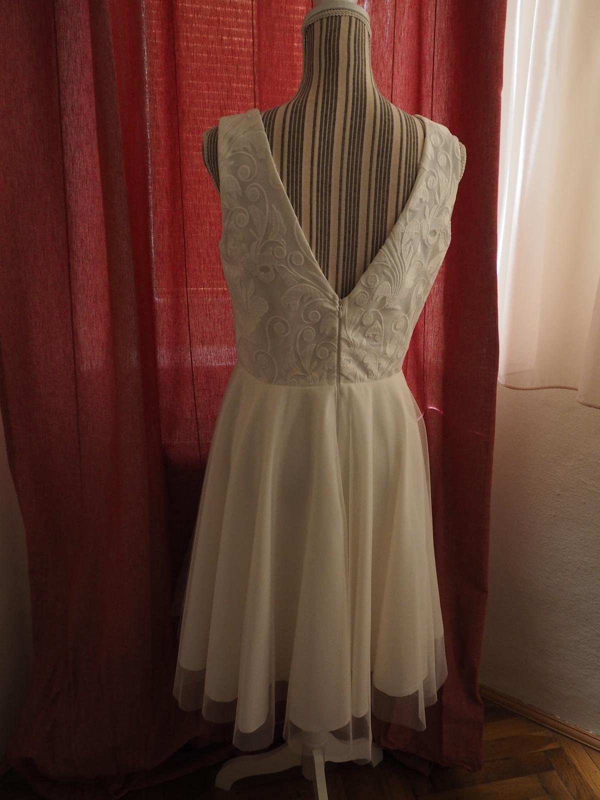 Krátke svadobné šaty v BOHO štýle - Obrázok č. 2