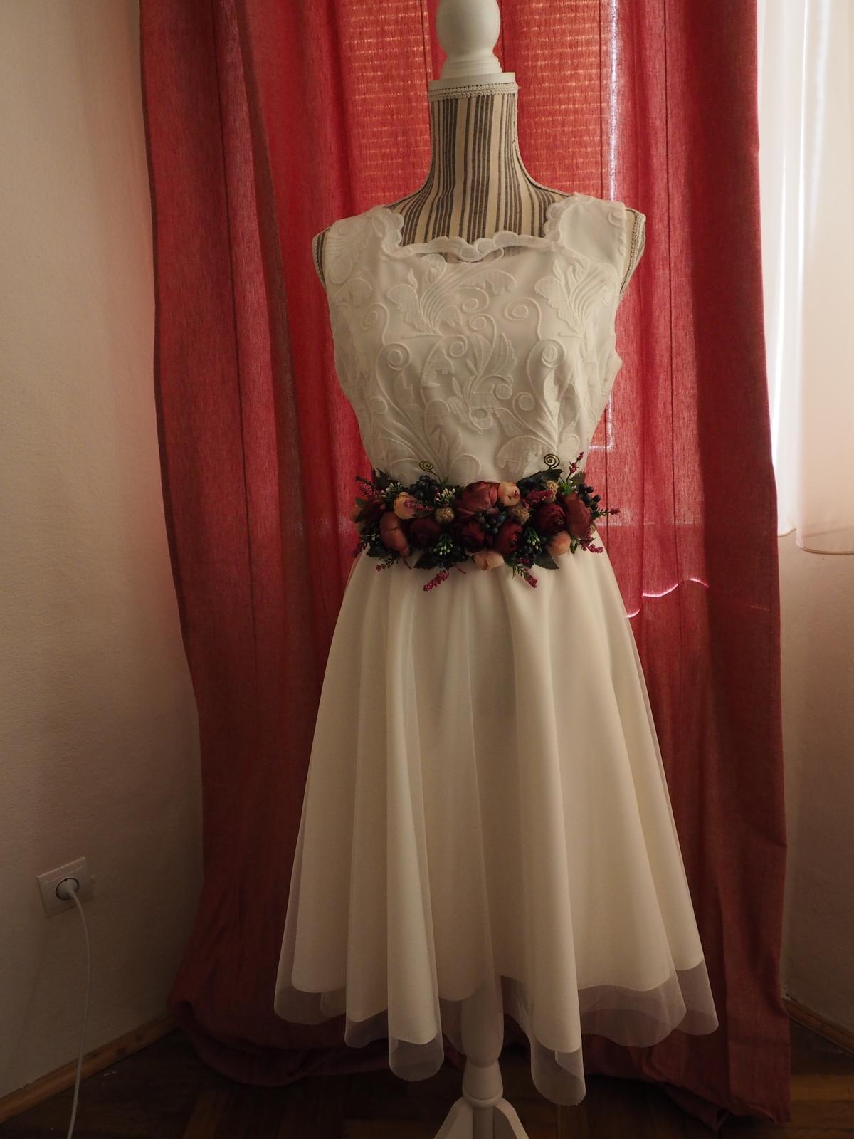 Krátke svadobné šaty v BOHO štýle - Obrázok č. 1