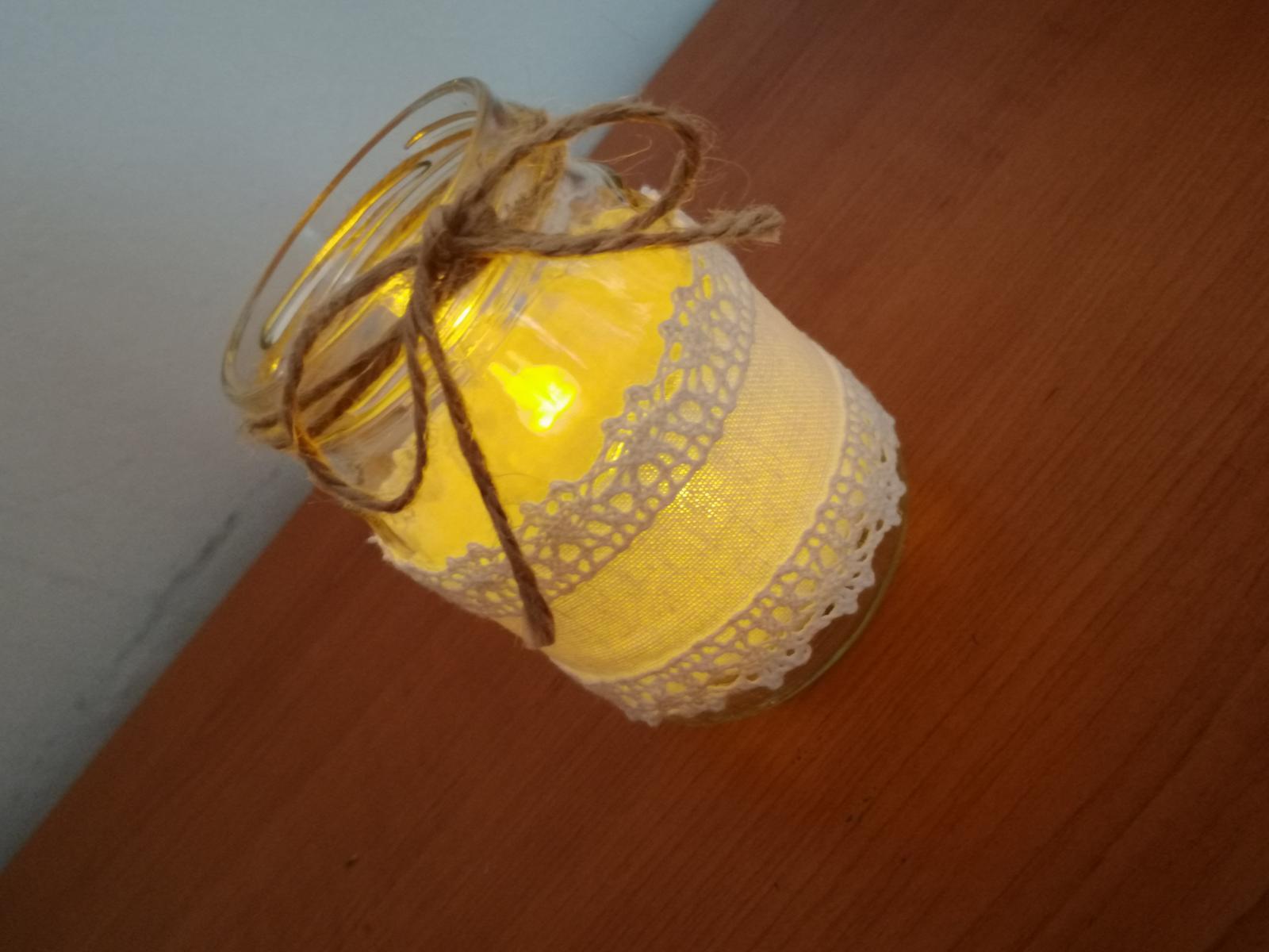 Romantické svietniky s LED sviečkami - Obrázok č. 1