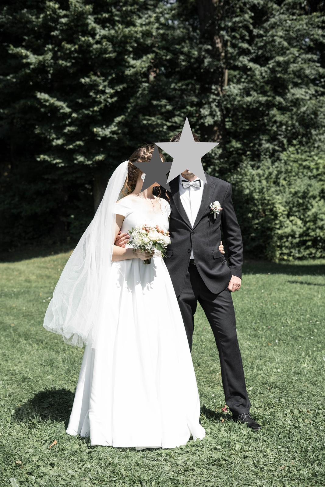 Saténové svadobné šaty - Obrázok č. 2