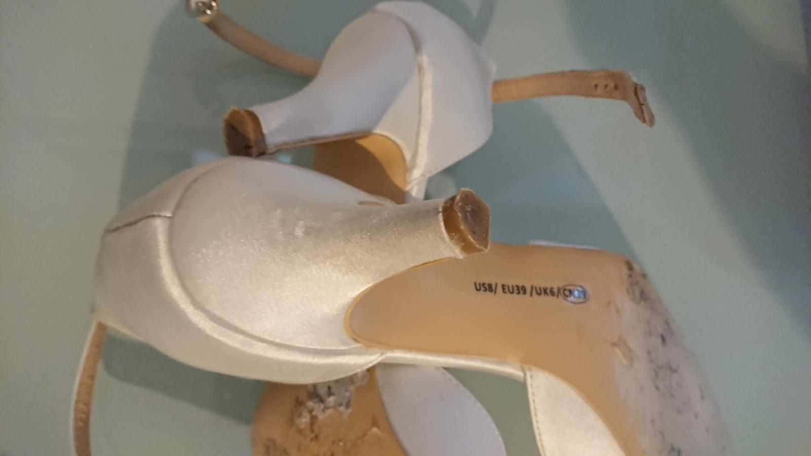 Svatební saténové boty - Obrázek č. 3
