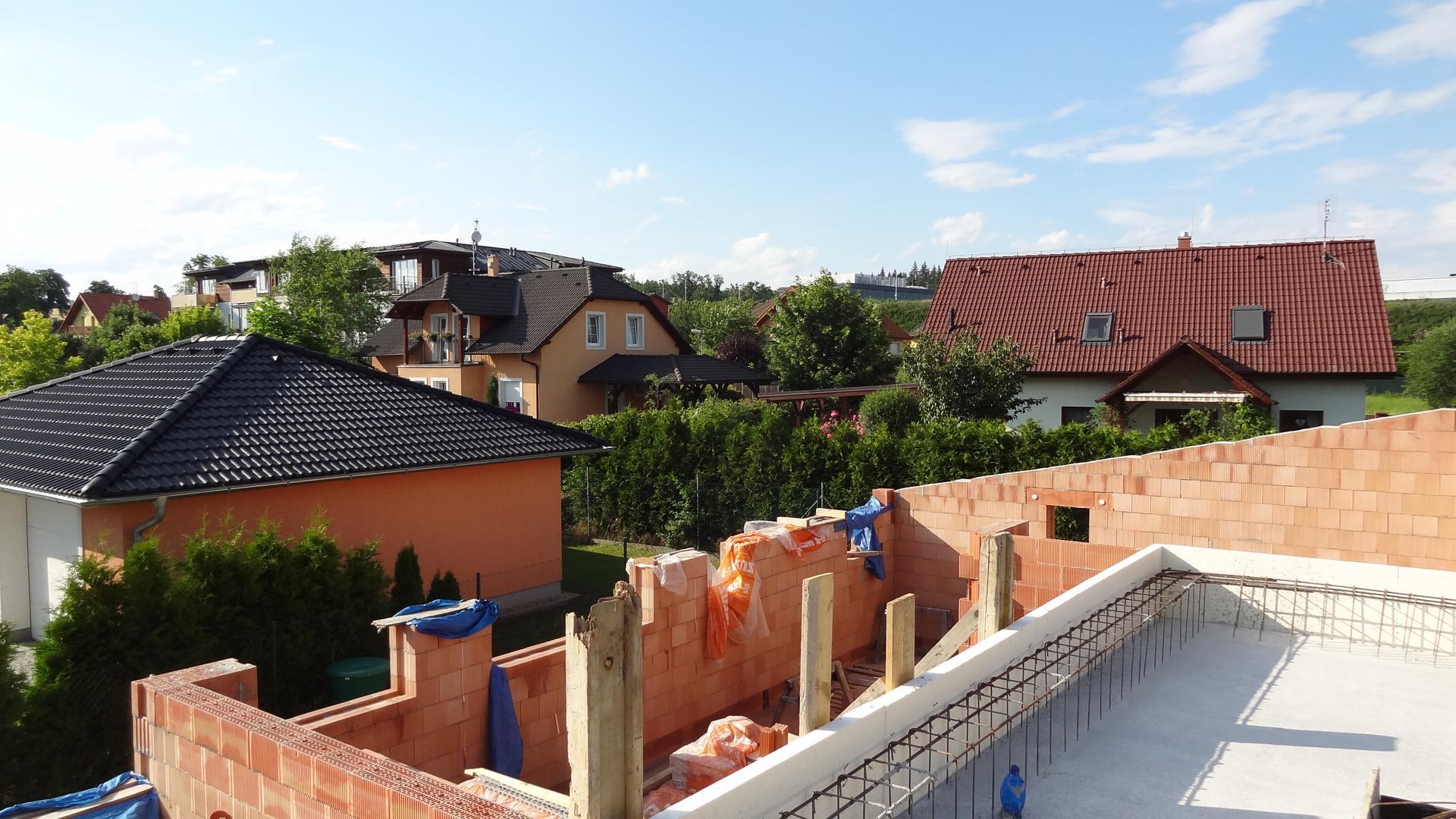 Domeček Euroline 1477 - Výhled k sousedům
