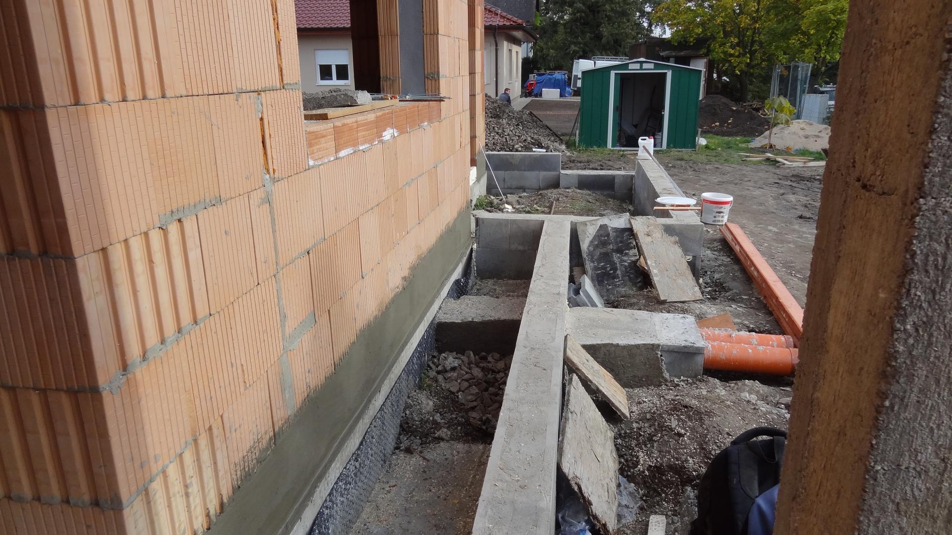 Stavba domečku pokračuje - Slunečná teráska