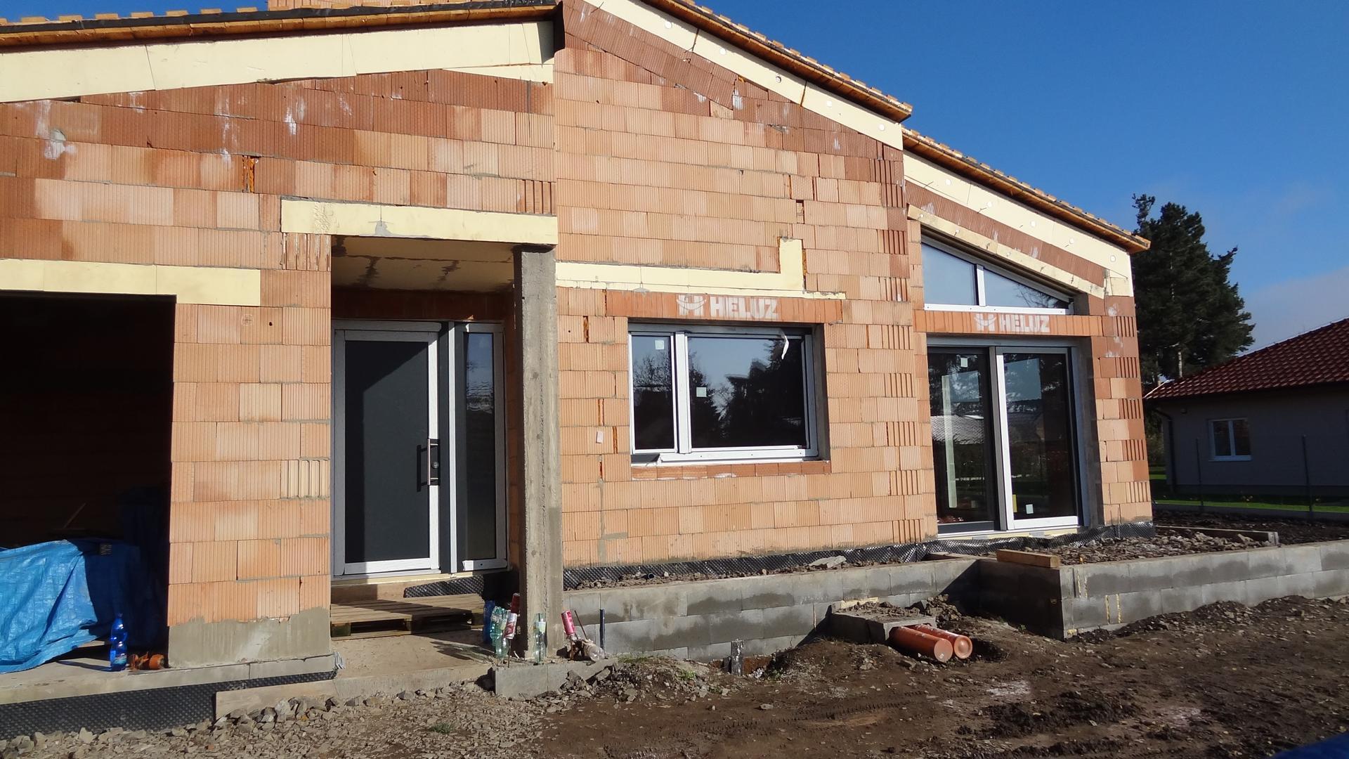 Stavba domečku pokračuje - Obrázek č. 17