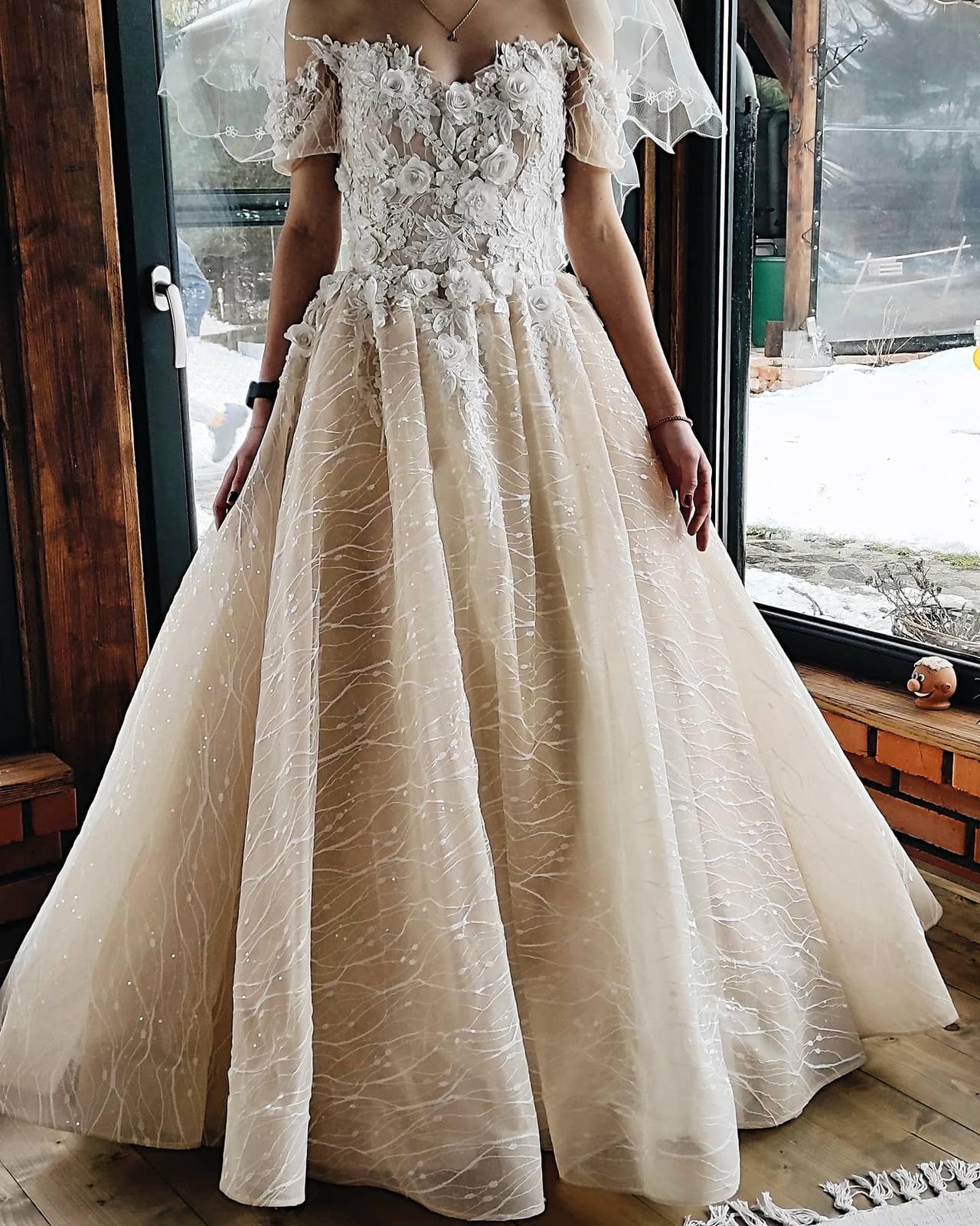 Predám nádherné svadobné šaty - Obrázok č. 1