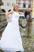 Svatební šaty na menší nevěstu - České Budějovice, 36