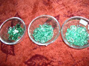 dekorační kameny a misky