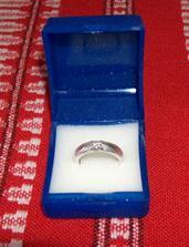moj snubny prstienok...dostala som ho 20.7.2008 :) na Milacikove narodeniny :) (len aby sa nezabudlo) :D