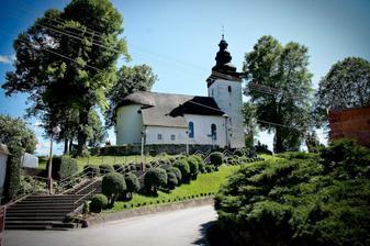 ...kostolik v ktorom bola svadba...
