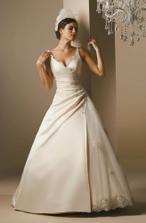 Podobný styl byly šaty v Nevěstě, které jsou favority