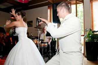 první manželský tanec :)